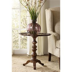 Hooker Furniture Leesburg Round Accent Pedestal Table in Mahogany