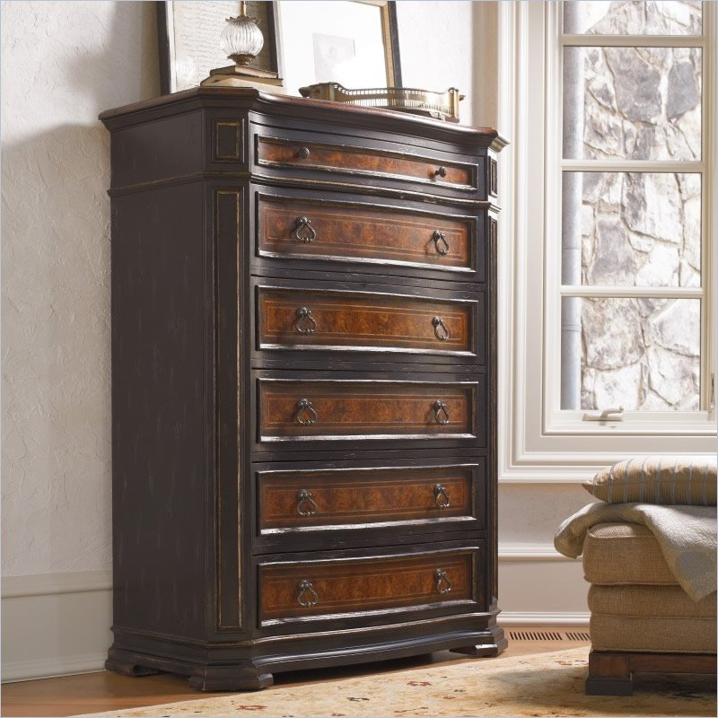 Grandover Six-Drawer Chest