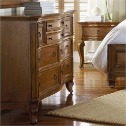 Hooker Furniture Windward Eight Drawer Dresser in Light Brown Cherry