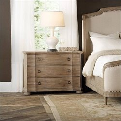 Hooker Furniture Corsica Double Handle 3-Drawer Bachelor's Chest in Light Wood
