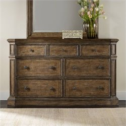 Hooker Furniture Solana 7-Drawer Dresser in Light Oak
