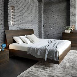 Rossetto Vela King Platform Bed in Oak
