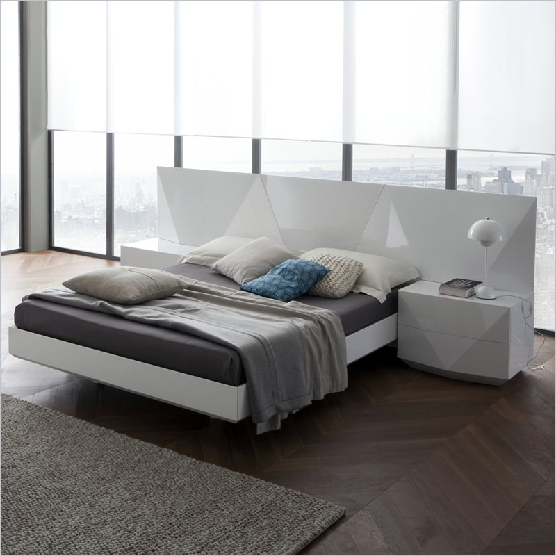 Sapphire Platform Bed in White Finish