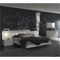 Rossetto Nightfly Glossy Lacquered Platform Bed in White - Queen