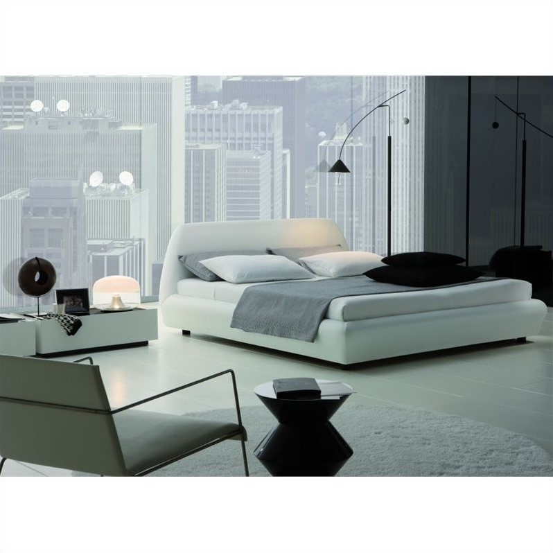 Downtown Platform Bed 3 Piece Bedroom Set in White