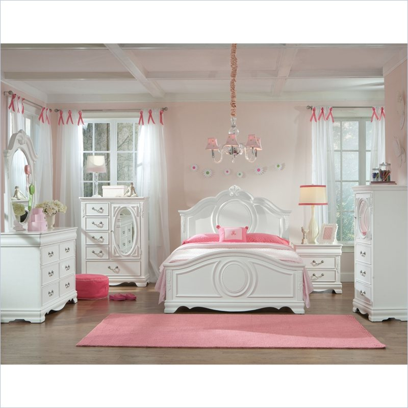 Jessica 4 Piece Bedroom in Clean White Finish