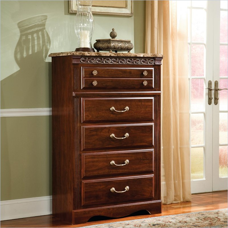 Triomphe 5 Drawer Chest in Zinfandale Cherry