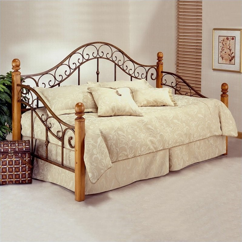 Hillsdale San Marco Wood and Metal Post Daybed