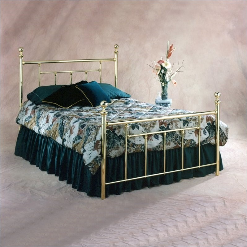 Chelsea Metal Poster Bed in Polished Brass Finish