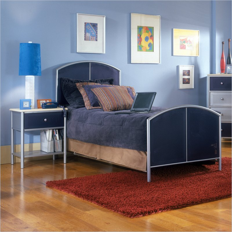 Hillsdale Universal Youth Metal Bed 2 Piece Bedroom Set