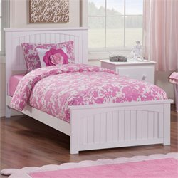 Atlantic Furniture Nantucket Panel Platform Bed in White (B)