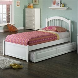 Atlantic Furniture Windsor Platform Bed with Flat Panel Footboard in White - Twin