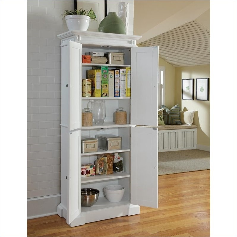 Pantry in White