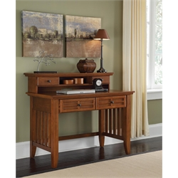 Student Desk & Hutch in Cottage Oak