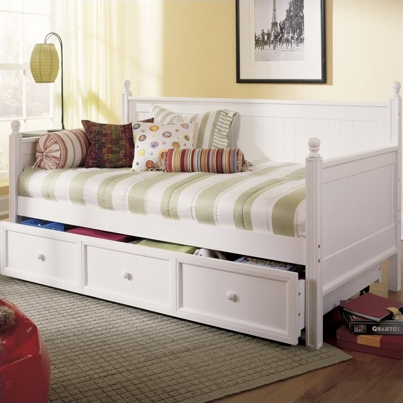 Fashion Bed Group Casey Wood Daybed In Off White Finish